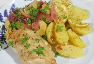 Piersi z kurczaka w sosie cebulowo-karczochowym