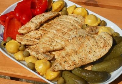 Filet z kurczaka z grilla na ostro-kwaśno