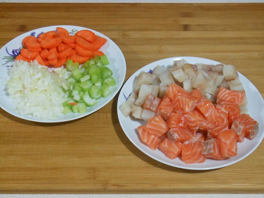 Pokrojone warzywa i ryby
