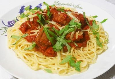 Spaghetti z klopsikami wołowymi