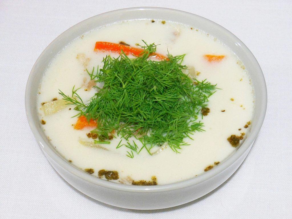 Biała zupa rybna